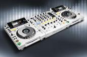 White Limited Edition 2 X Pioneer CDJ-2000 + Pioneer DJM-900 Nexus Mixer. объявление